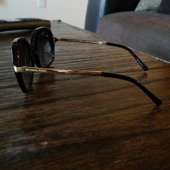 b39fd6a6c6 Michael Kors MK 2024 (Adrianna ii) sunglasses. M 5a837dbe00450f05e1edd635
